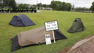 Protesters set up camp as Enniskillen braces for violent clashes
